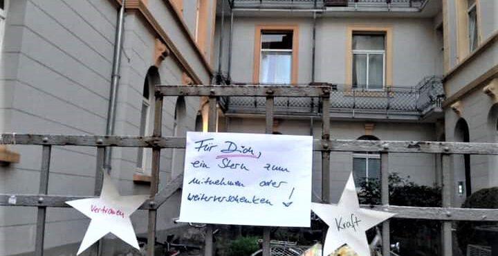 Zeichen der Solidarität an Fenstern und Balkonen brachten mich durch Corona